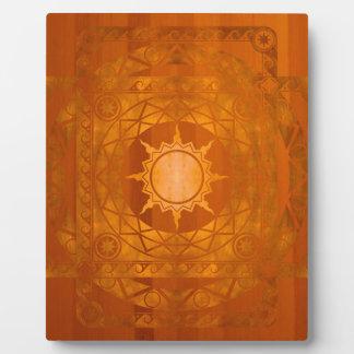 Cobre de la Atlántida de los artes en la madera am Placa