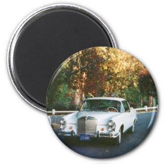 Coche 1965 de la obra clásica del cupé del Benz 22 Imán Redondo 5 Cm