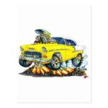Coche amarillo 1955 de Chevy Belair Postal