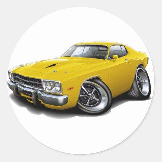 Coche amarillo 1973-74 del Roadrunner Pegatina Redonda