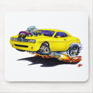 Coche amarillo 2008-10 del desafiador alfombrilla de ratón