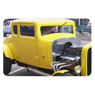 Coche amarillo clásico iman rectangular