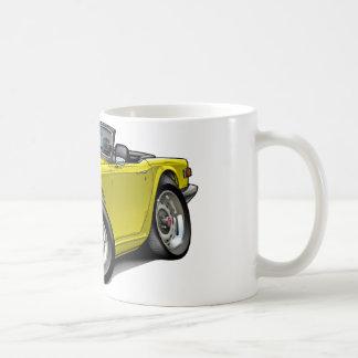 Coche amarillo de Triumph TR6 Taza