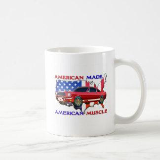 Coche americano del músculo taza