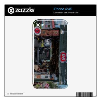 Coche antiguo y bomba iPhone 4S skin