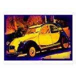 Coche clásico amarillo europeo tarjetas postales