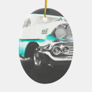 coche clásico azul brillante del impala chevy 1958 adorno ovalado de cerámica