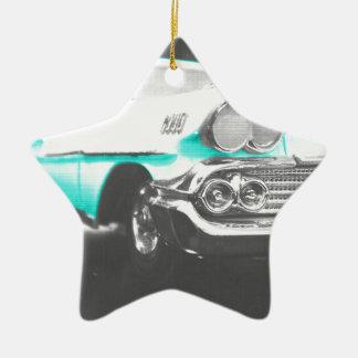 coche clásico azul brillante del impala chevy 1958 ornamente de reyes