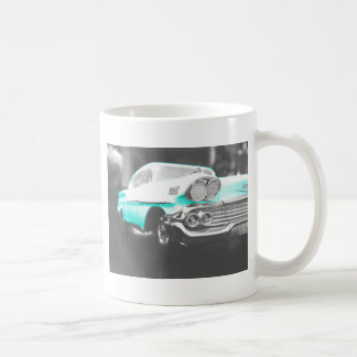 coche clásico azul brillante del impala chevy 1958 tazas