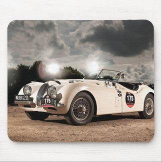 Coche clásico de Jaguar del vintage Alfombrillas De Ratón
