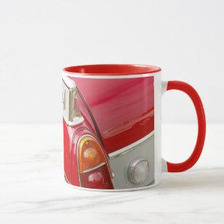 coche clásico en café del primer/taza del té taza
