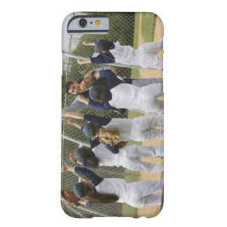 Coche con el equipo de béisbol funda barely there iPhone 6