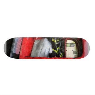 Coche de bomberos con el uniforme del bombero patines personalizados