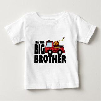 Coche de bomberos de hermano mayor t-shirt