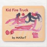 Coche de bomberos del niño por MAXarT Alfombrilla De Ratón
