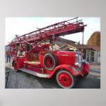 Coche de bomberos del vintage…. poster