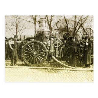 Coche de bomberos del vintage postales