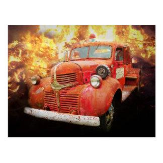 Coche de bomberos rojo del vintage del antaño tarjetas postales