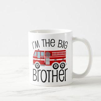 Coche de bomberos rojo hermano mayor taza básica blanca