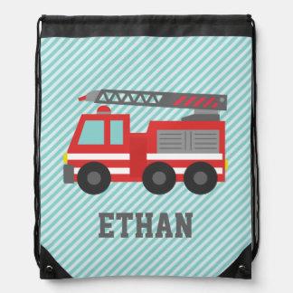Coche de bomberos rojo lindo para los muchachos, mochilas