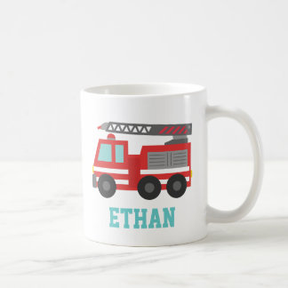 Coche de bomberos rojo lindo para los pequeños taza básica blanca