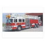 coche de bomberos tarjeta postal