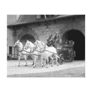 Coche de bomberos traído por caballo, 1922 impresión en lona