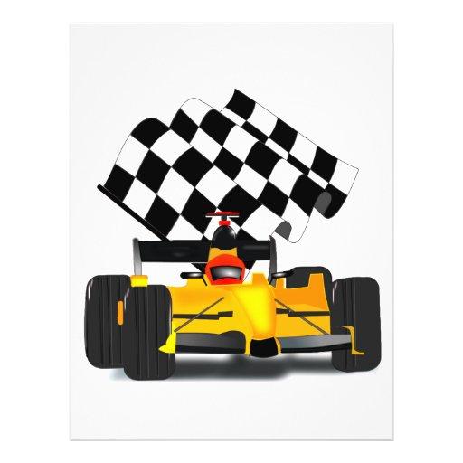 Coche de carreras amarillo con la bandera a flyer a todo color