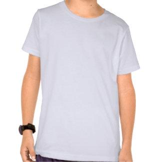 Coche de carreras azul con la bandera a cuadros camisetas