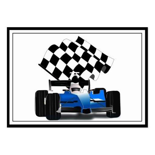 Coche de carreras azul con la bandera a cuadros tarjeta personal