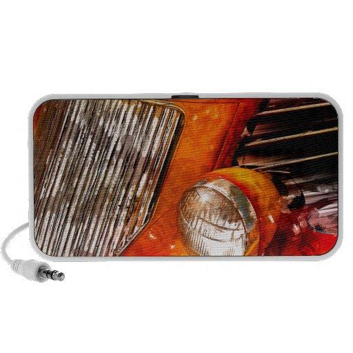 Coche de carreras de la llama del vintage iPod altavoz