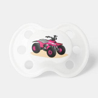 Coche de cuatro ruedas chupetes de bebé