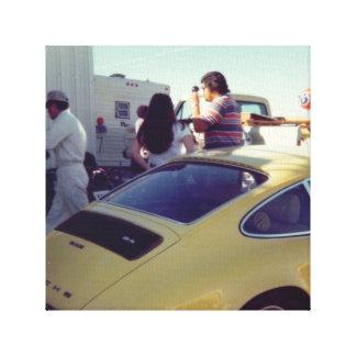 Coche de deportes del amarillo de la fotografía lienzo envuelto para galerias