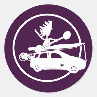 Coche de la bici del kajak - regalos del enfoque etiqueta redonda