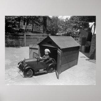 Coche del pedal del coche de carreras, 1900s tempr póster