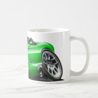 Coche del verde del automóvil descubierto de la ví taza de café