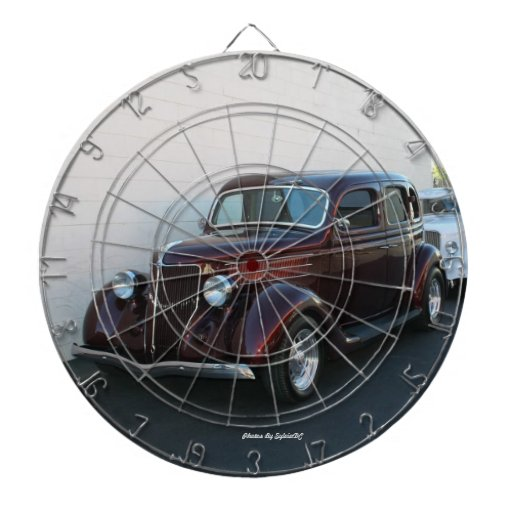 coche del vintage tablero dardos