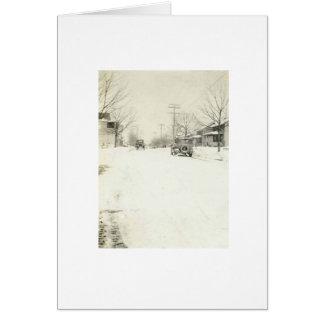 coche en tarjeta del día de fiesta de la nieve