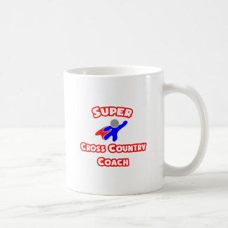 Coche estupendo del campo a través taza de café