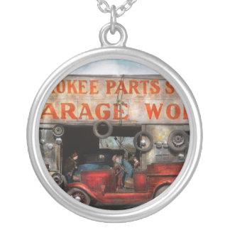 Coche - garaje - tienda cherokee de las piezas - colgante redondo