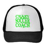 Coche loco del fútbol en verde gorros bordados