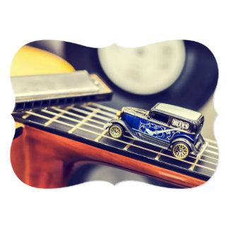 """Coche miniatura de los azules del vintage en invitación 5"""" x 7"""""""