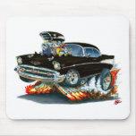 Coche negro 1957 de Chevy Belair Tapete De Ratón