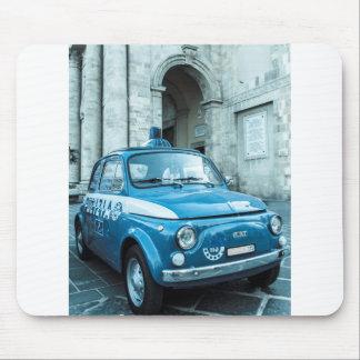 Coche policía de Fiat 500 en Italia Tapete De Ratón