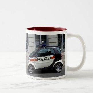 coche policía elegante taza de dos tonos
