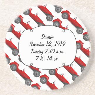 Coche retro rojo dulce de los regalos clásicos del posavasos diseño