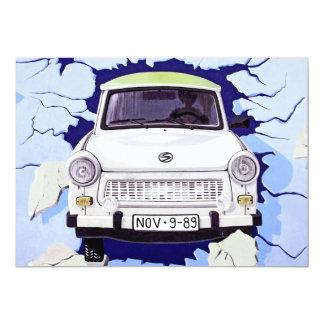 """Coche trabante, azul claro, muro de Berlín Invitación 5"""" X 7"""""""