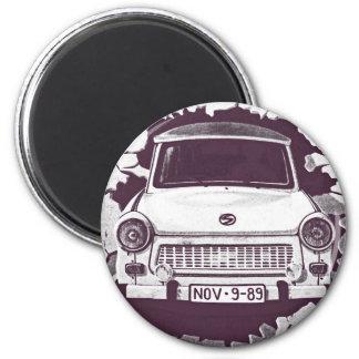 Coche trabante, negro y blanco, muro de Berlín (1) Imán Redondo 5 Cm
