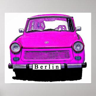 Coche trabante rosado póster