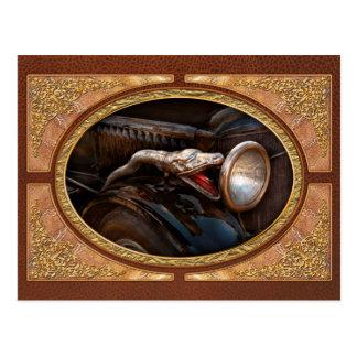 Coche - vapor - encantador de serpiente postal